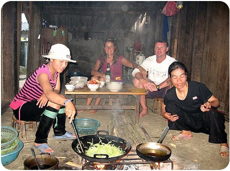Kitchen-in-homestay-1a001bffd5